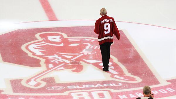 Хоккеист, тренер и спортивный комментатор Борис Майоров