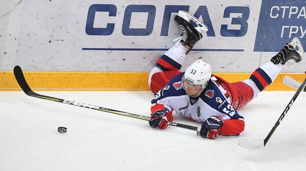 Защитник ПХК ЦСКА Алексей Марченко