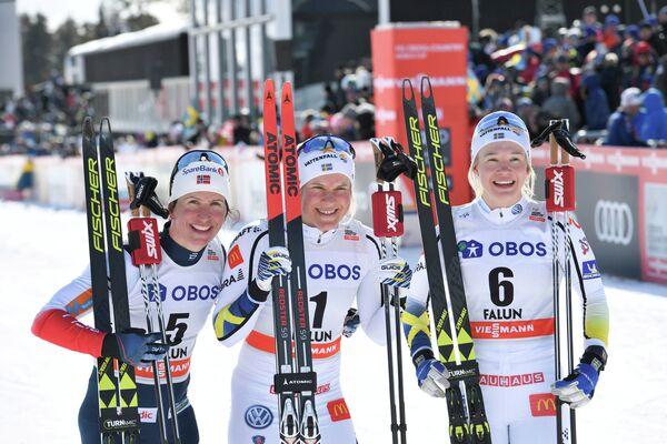 Марит Бьёрген, Ханна Фальк и Йонна Сундлинг (слева направо)