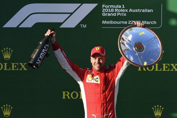 Себастьян Феттель на подиуме Гран-при Австралии