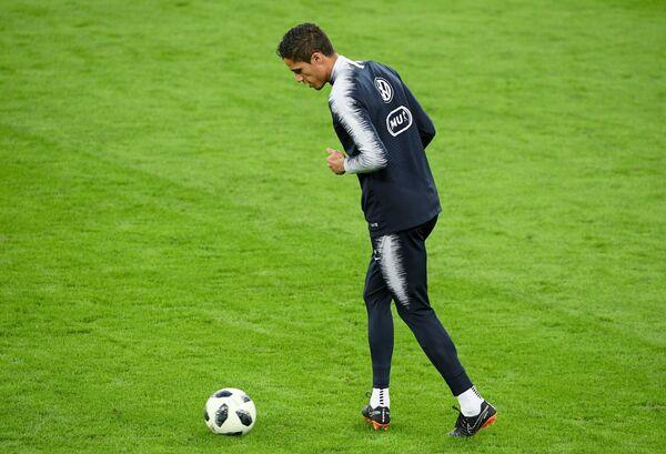 Защитник сборной Франции по футболу Рафаэль Варан