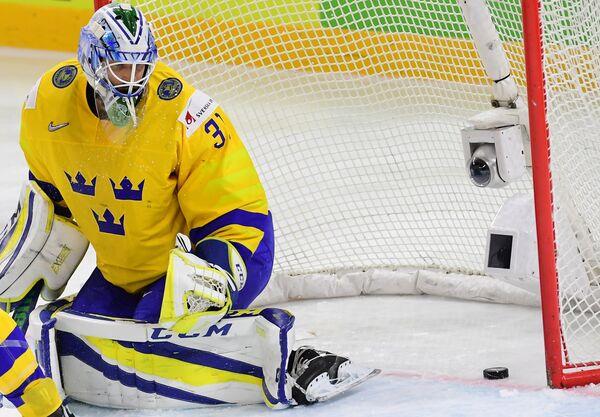 Вратарь сборной Швеции по хоккею Андерс Нильссон