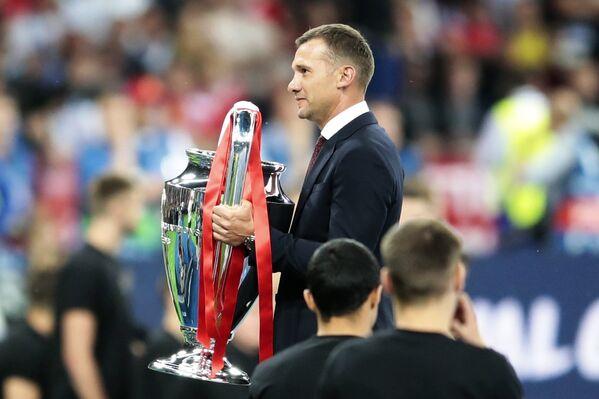 Андрей Шевченко с кубком Лиги Чемпионов