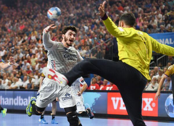 Игровой момент финального матча гандбольной Лиги чемпионов Монпелье - Нант