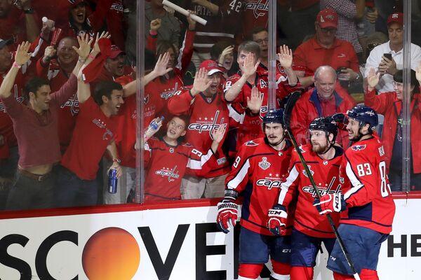 Хоккеисты клуб НХЛ Вашингтон Кэпиталз