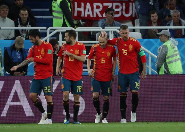Футболисты сборной Испании Иско, Жорди Альба, Андрес Иньеста и Серхио Рамос (слева направо)