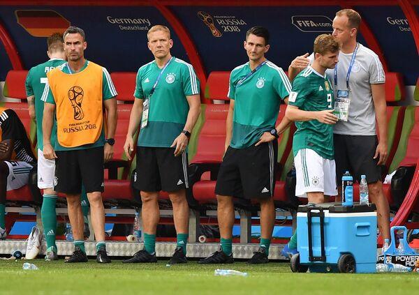 Скамейка запасных футболистов сборной Германии