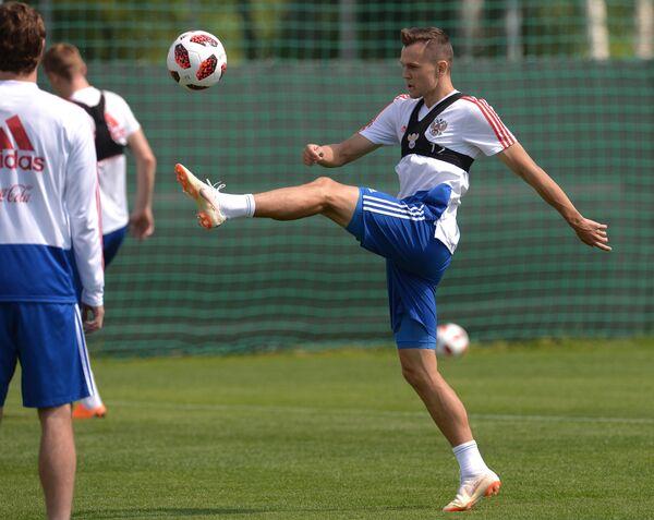 Денис Черышев на тренировке сборной России