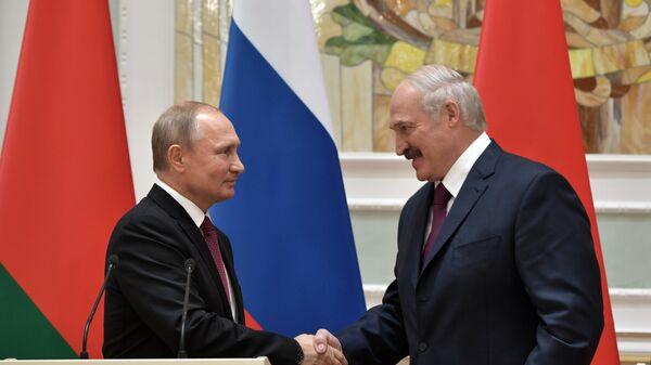 Песков прокомментировал возможное объединение РФ и Беларуси