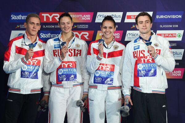 Российские пловцы Михаил Вековищев, Виктория Андреева, Валерия Саламатина и Михаил Довгалюк
