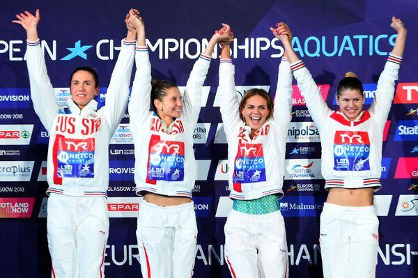 Российские пловчихи Анастасия Фесикова, Светлана Чимрова, Юлия Ефимова и Мария Каменева (слева направо)