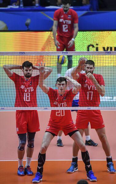 Волейболисты сборной России Егор Клюка, Ильяс Куркаев и Максим Михайлов (слева направо)