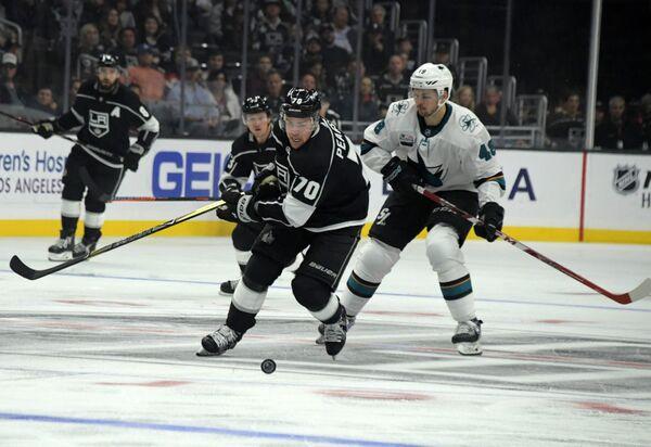 Матч регулярного чемпионата НХЛ Лос-Анджелес Кингз - Сан-Хосе Шаркс