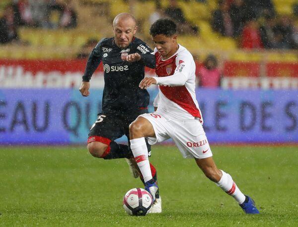 Игровой момент матча Монако - Дижон