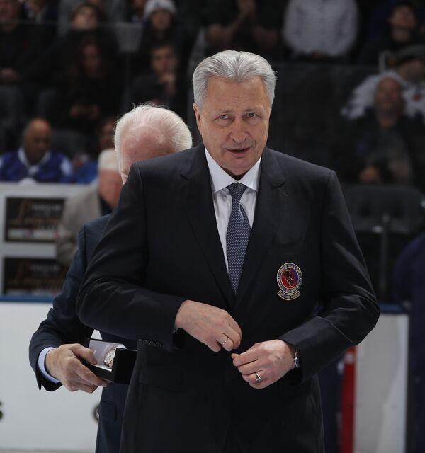 Александр Якушев