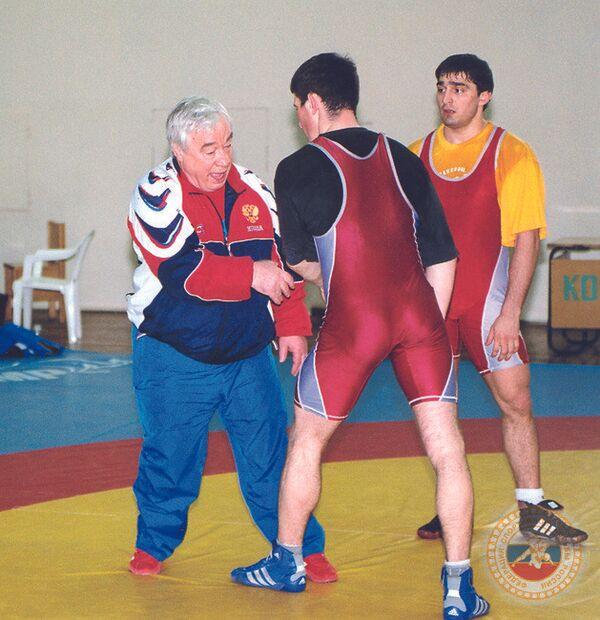 Геннадий Сапунов (слева)