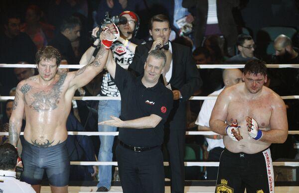 Александр Емельяненко и Тадас Римкявичус (слева направ)