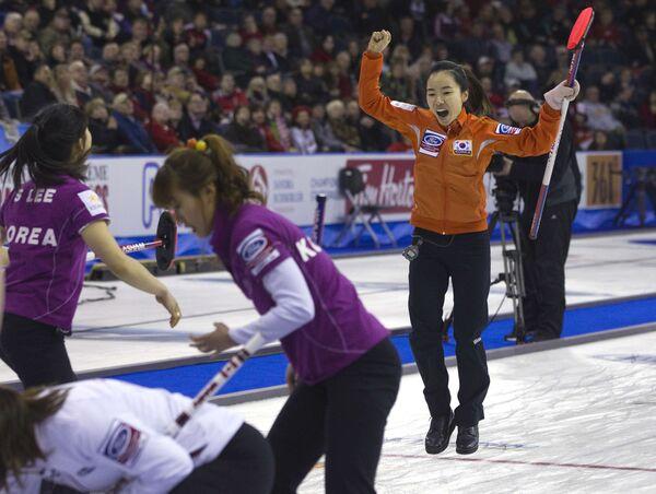 Керлингистки сборной Южной Кореи