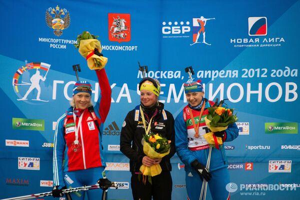 Ольга Зайцева, Мари Дорен-Абер, Ольга Вилухина (слева направо)