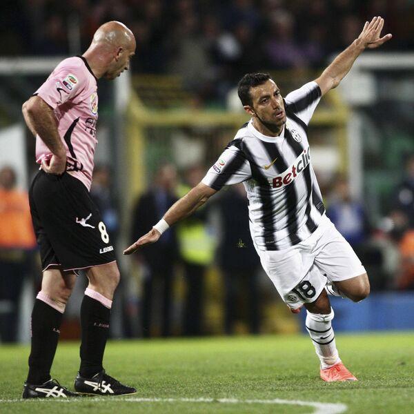Игровой момент матча Ювентус - Палермо