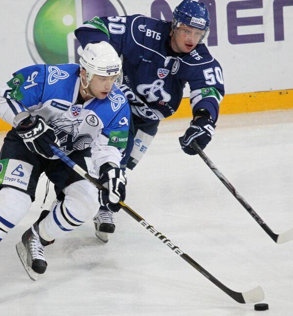 Игорь Бортников (на переднем плане)