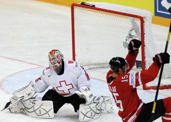 Игровой момент матча Канада - Швейцария