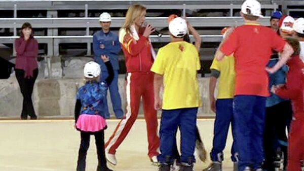 Татьяна Навка и юные фигуристы первыми опробовали олимпийский лед в Сочи