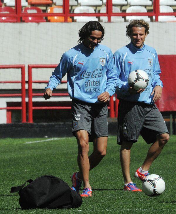 Эдинсон Кавани и Диего Форлан (слева направо)