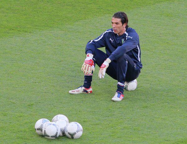 Футбол. ЕВРО - 2012. Тренировки сборных Италии и Испании