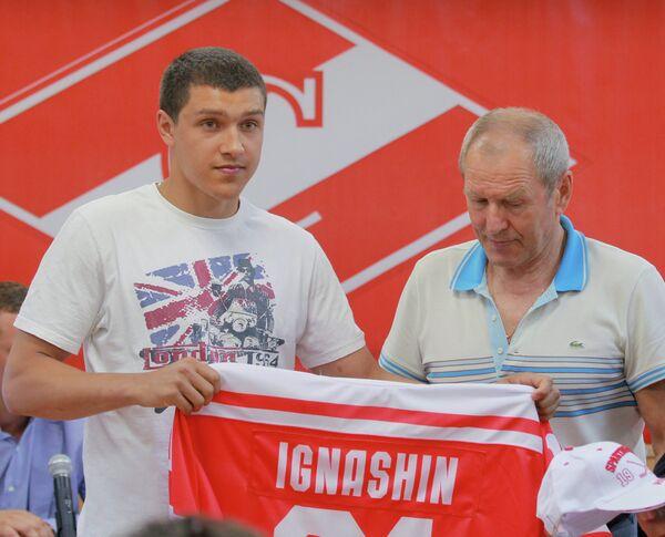 Денис Игнашин и Вячеслав Старшинов (слева направо)