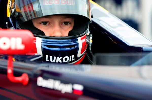 Гонщик команды Red Bull Даниил Квят