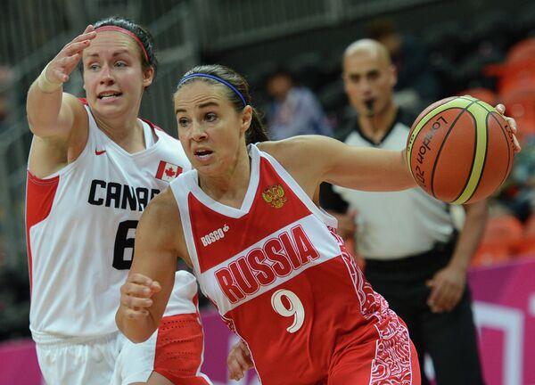 Момент матча Канада - Россия
