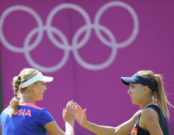 Екатерина Макарова и Елена Веснина (слева направо)