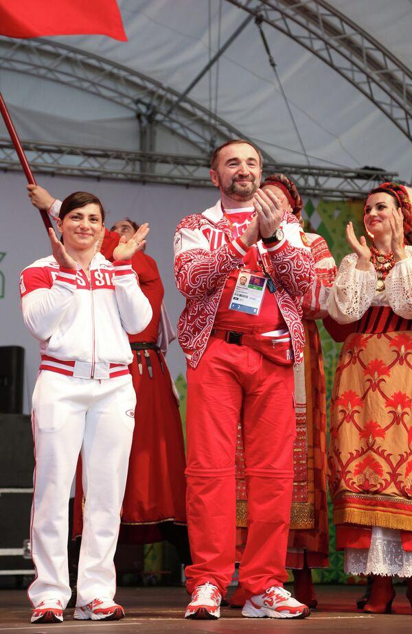 Россиянка Светлана Царукаева и личный тренер Казбек Золоев.