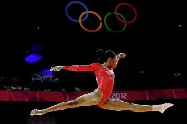 Американская гимнастка Габриэль Дуглас