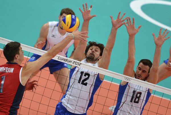 Игровой момент матча сборных России и США