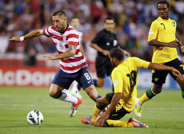 Игровой момент матча США - Ямайка