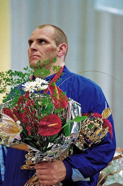 Российский борец Александр Карелин