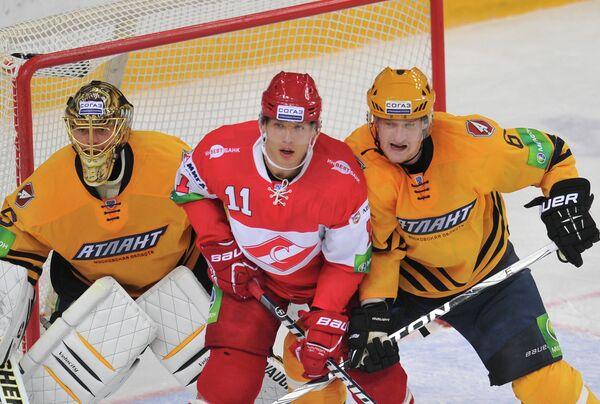Антон Худобин,  Эдуард Левандовский и Дмитрий Космачев (слева направо)