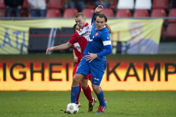 Дмитрий Булыкин (справа)