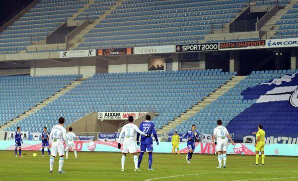 Игровой момент матча Бастия - Марсель