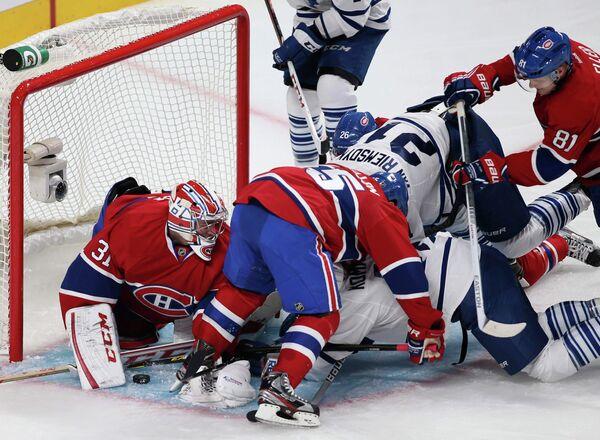 Игровой момент матча Монреаль Канадиенс - Торонто Мейпл Лифс