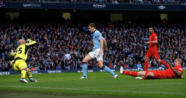 Игровой момент матча Манчестер Сити - Ливерпуль