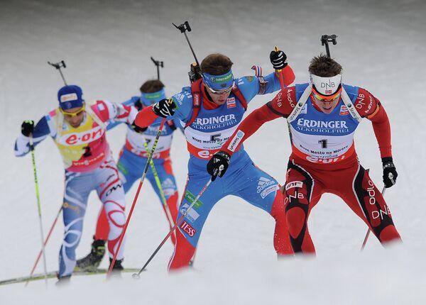 Норвежец Эмиль Хегле Свендсен, россияне Дмитрий Малышко, Антон Шипулин и француз Мартен Фуркад (справа налево)