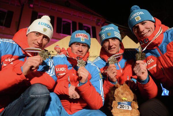 Александр Легков, Максим Вылегжанин, Евгений Белов и Сергей Устюгов (слева направо)