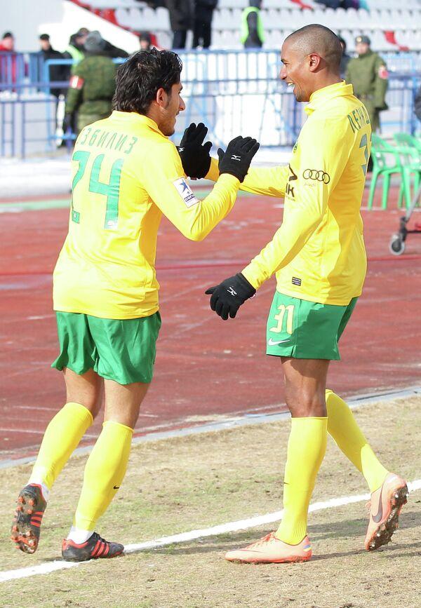 Игровой момент матча Волга - Кубань