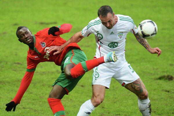 Игровой момент матча Локомотив - Терек