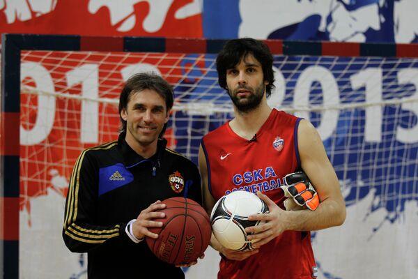 Олег Корнаухов и Милош Теодосич (слева направо)