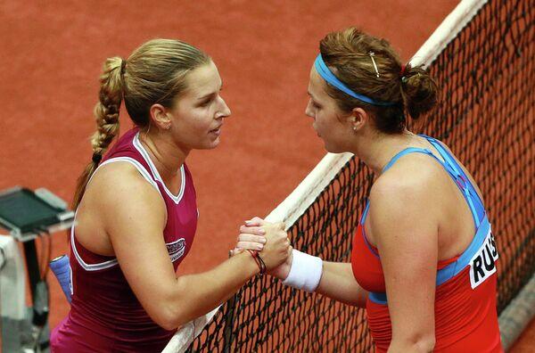 Доминика Цибулкова и Анастасия Павлюченкова (справа)