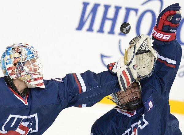 Хоккей. Юниорский ЧМ. Матч Швеция - США